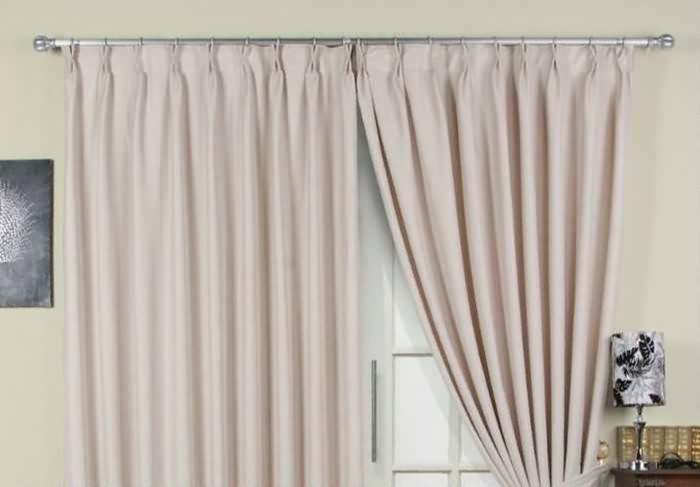窗帘罗马杠安装方法_安装窗帘用窗帘盒好还是罗马杆好,看完真想换一个!