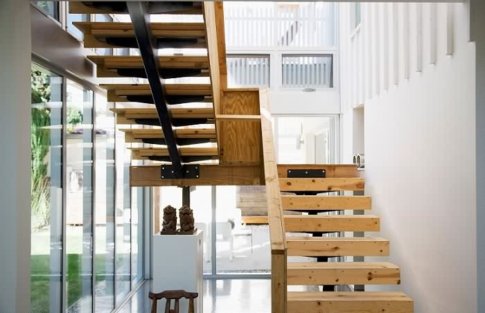 楼梯的价格是某种程度?,扶手价格又如何