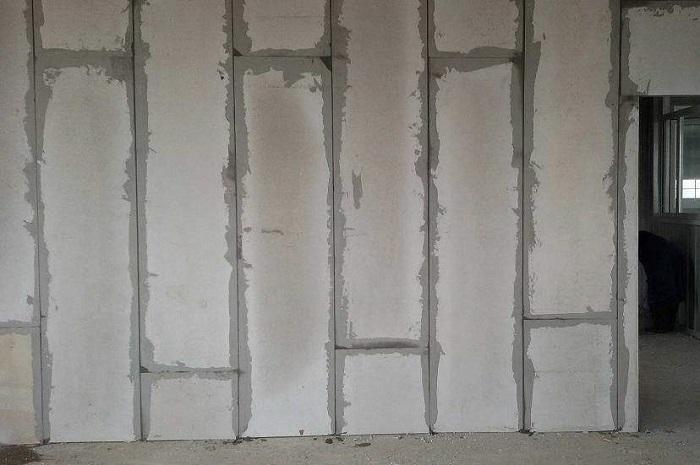 新型隔墙板